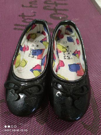 Туфельки для дівчинки 23 розмір