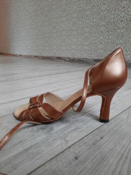 Туфли для бальных танцев / Танцевальная обувь