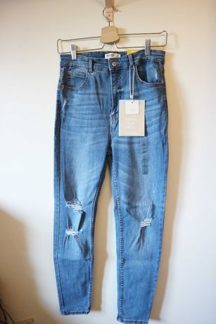 Jeans Skinny High Waist com Rasgões - Tam. 40 Pull&Bear