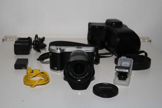 Mirrorless Samsung NX300 + 18-55mm OIS iii + AMOLED + Extras