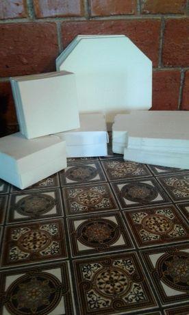 Картонные упаковочные коробочки