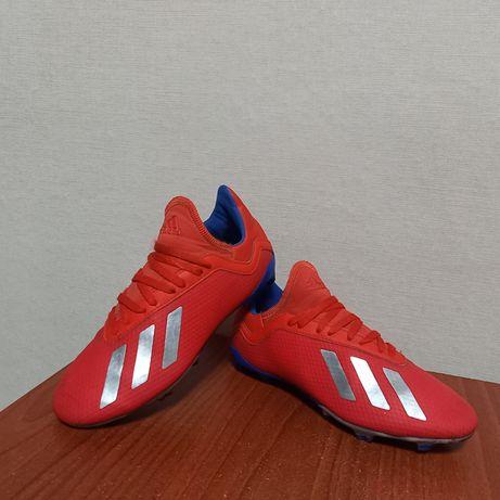 Буцы Adidas,размер 35,стелька 22см.