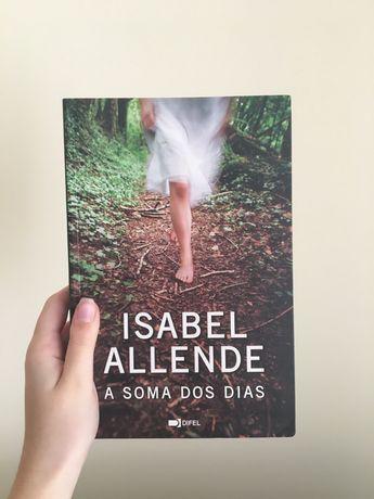"Livro ""A Soma dos Dias"" de Isabel Allende"