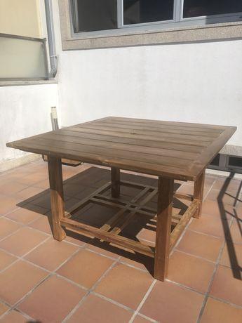 Mesa Quadrada para 8 pessoas Exterior / Jardim /Churrasco