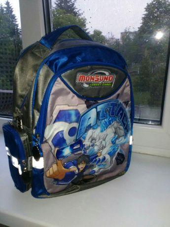Продам новый школьный портфель