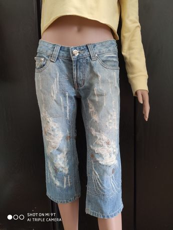 Крутые стильные джинсовые капри с рваностями Распродажа