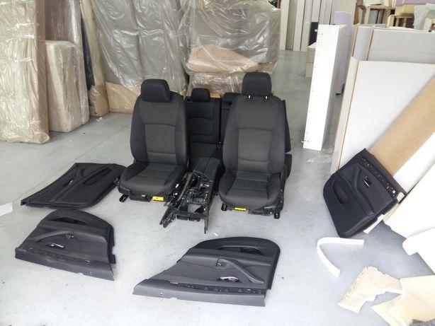 Fotele wnętrze tapicerka BMW F11 2012r