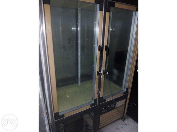 Armário de conservação vertical duplo
