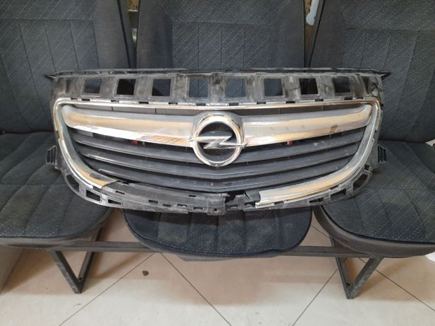 Opel Insignia решітка решетка бампера