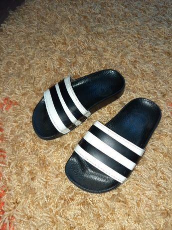 Шлепанцы adidas черные