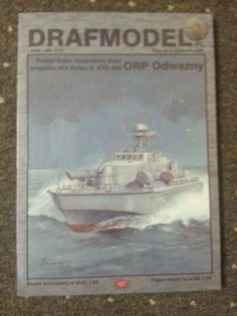 Model kutra torpedowego z kartonu