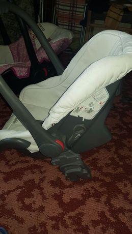 Дитяче авто крісло