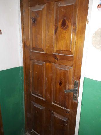 Продам двері вхідні