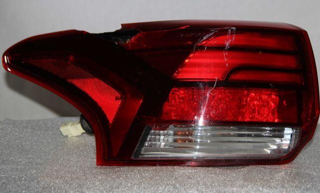 Задний левый фонарь, Mitsubishi Outlander 3 под ремон (США)