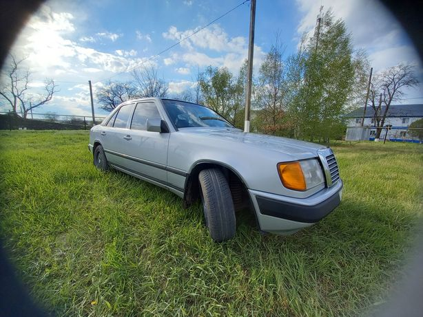 Продам W124 300D