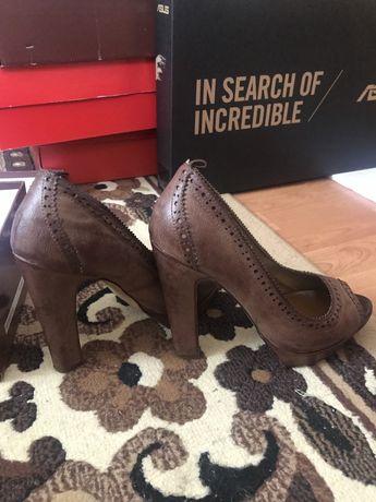 Жіночі туфлі, 39 р.