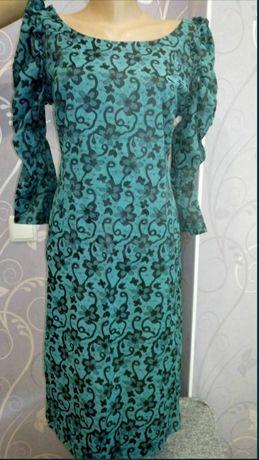 Сукня плаття з рукавом