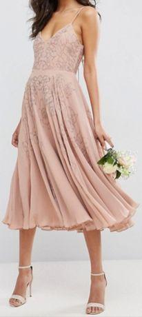 Sukienka zdobiona rozkloszowana r. 36