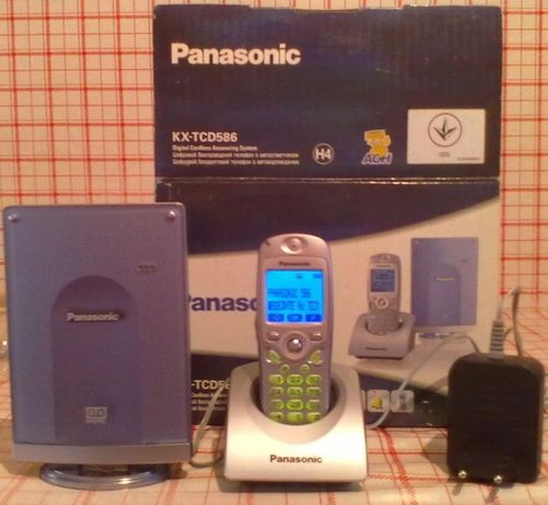 Цифровой телефон с автоответчиком Panasonic KX- TCD 586.