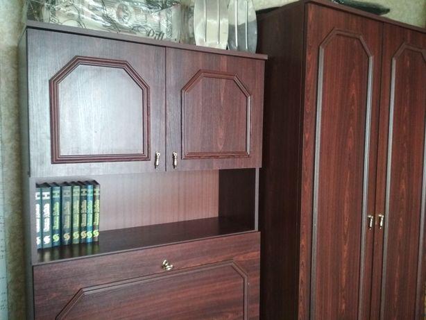 Стенка польская, 4 секции, небольшая, общая длина 3,40, шкаф горка