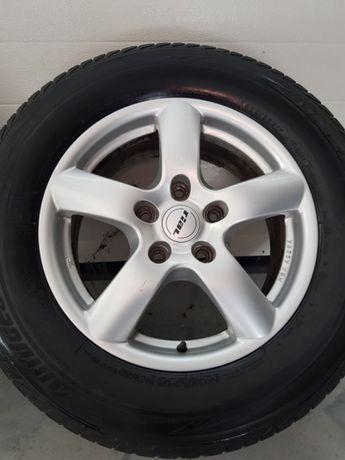 opony  Bridgestone 235/65 R17 koła