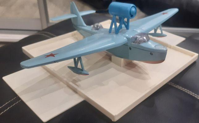 Модель самолётика .