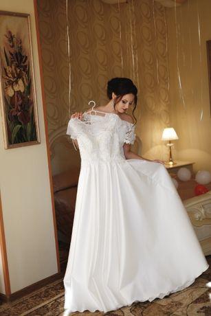 Очень красивое и нежное свадебное платье! Торг