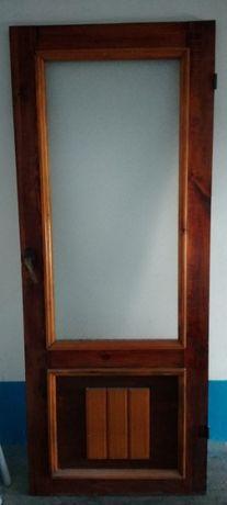 Продам межкомнатные деревянные двери