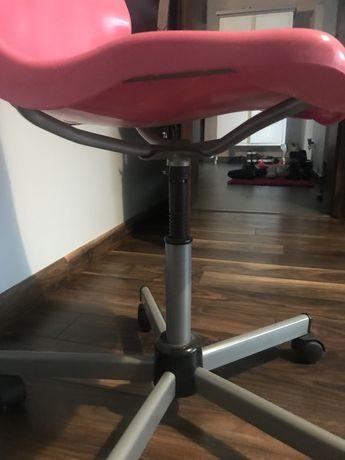 Krzeslo biurkowe ikea