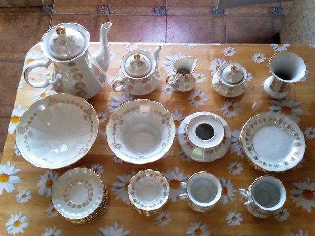 Чайный/кофейный сервиз. Фарфор, перламутр, позолота. 32 предмета.