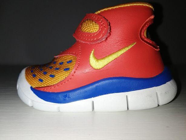 Buciki Nike EUR 17 (8cm)