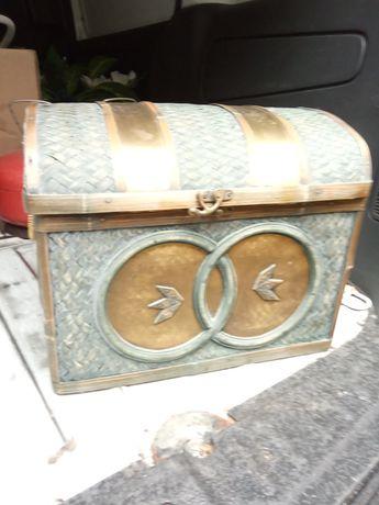 Kufer,kuferek uzywany.