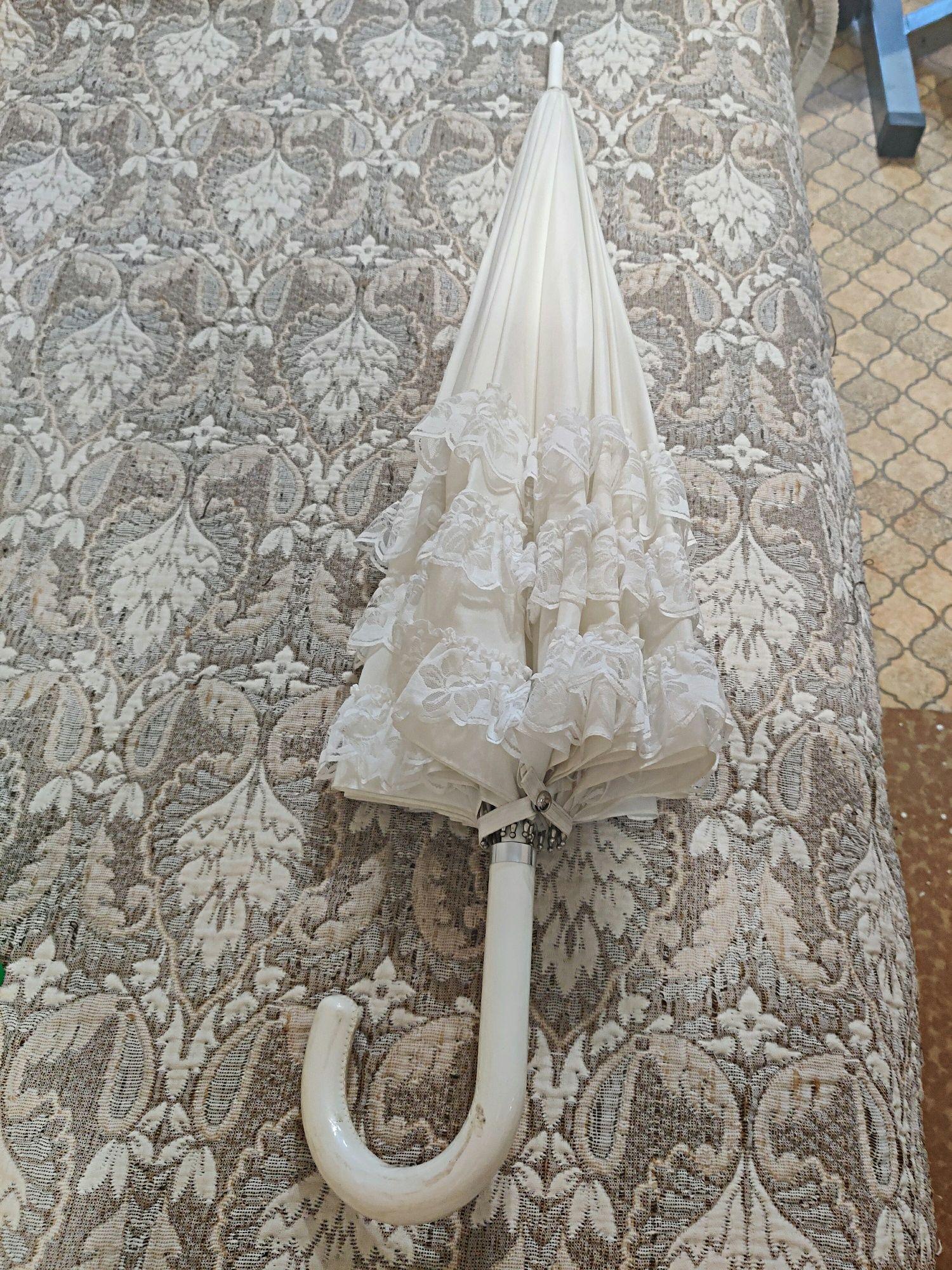 Свадебный белый зонт.