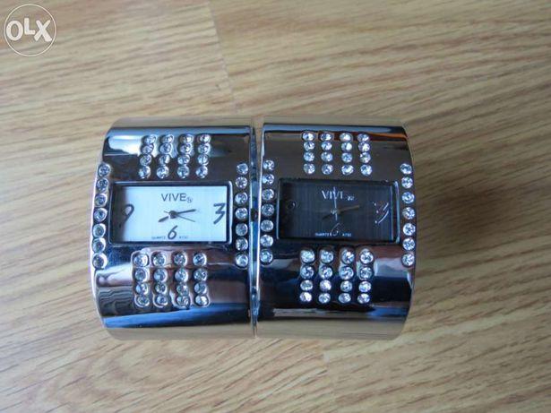 Relógio prateado pulseira - VIVE Oferta de mala à escolha