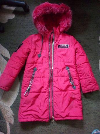Зимняя курточка до р.152
