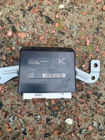 Модуль контроллер крышки Toyota Rav4 89222-42041