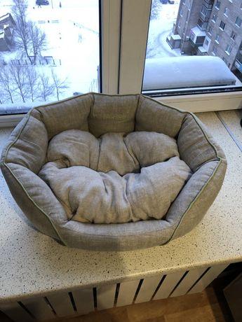 Лежанка для собак и кота
