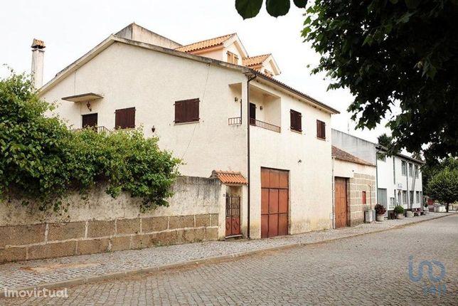 Moradia - 28000 m² - T8