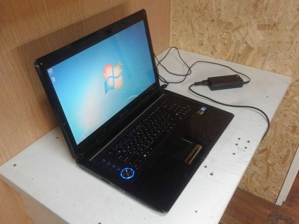 Ноутбук ASUS N90S, 18.4 дюйма Full HD, хорошее состояние.