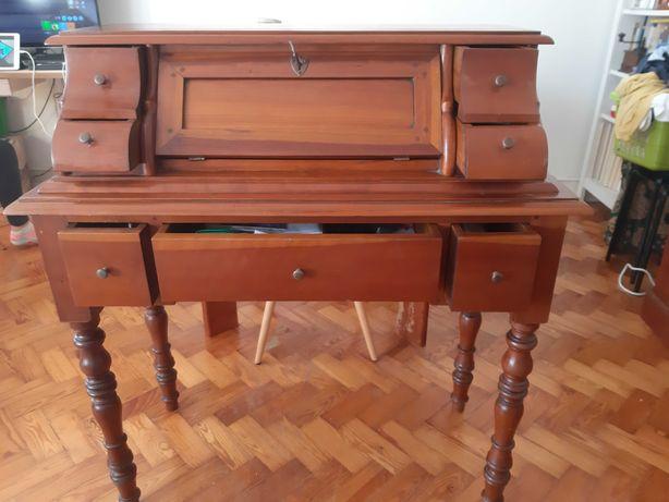 Escrivaninha Cerejeira