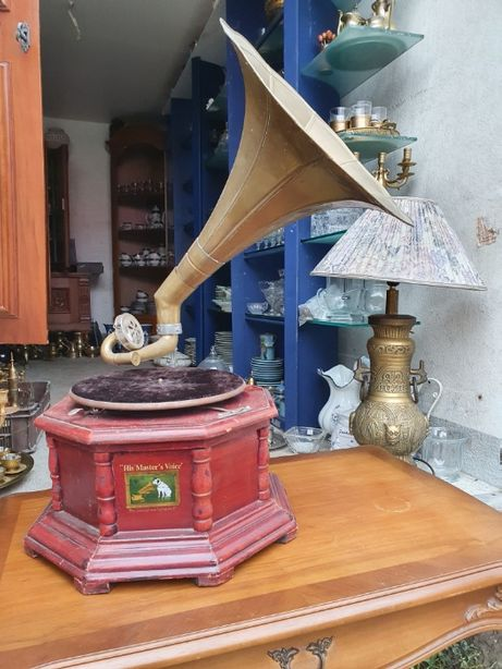 Zabytkowy gramofon