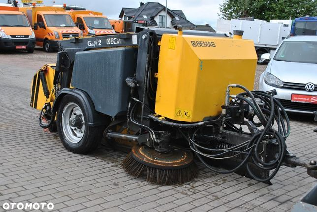 Bemab Geting 2 Zamiatarka  Elewatorowa 2 Szczotki Talerzowe Hydraulika Unimog Traktor 2013 Rok
