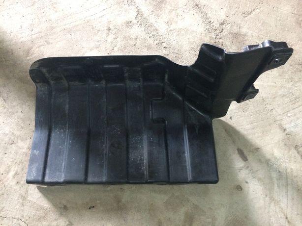 Kia зашитная панель двигателя (правая)