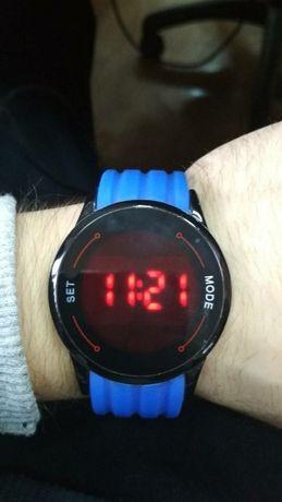 Часы наручные сенсорные
