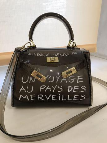 Продам сумку , надета 2 раза, очень стильная!
