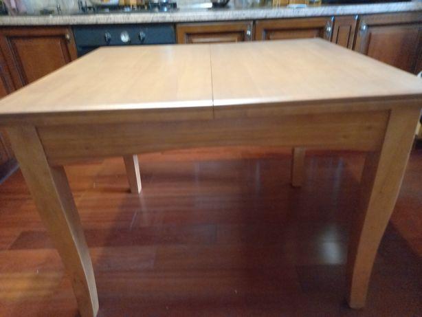 Кухонний стіл новий.Малайзійський гівея.4500 грн.