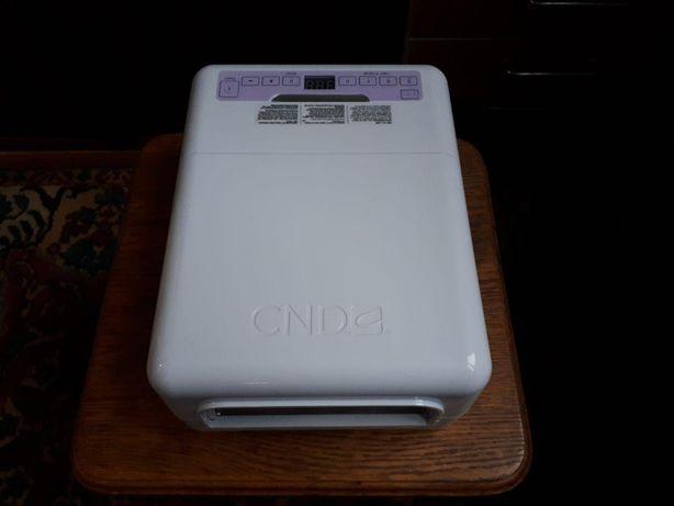 УФ-лампа CND для сушки гель-лака