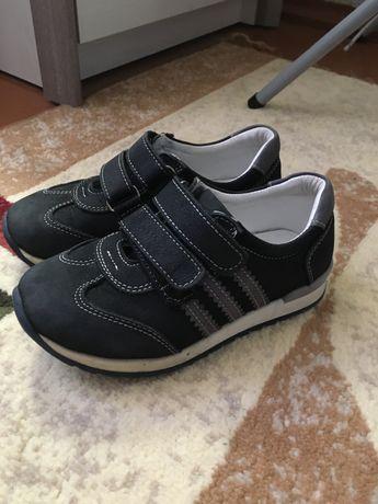 Дитячі ортопедичні кросівки