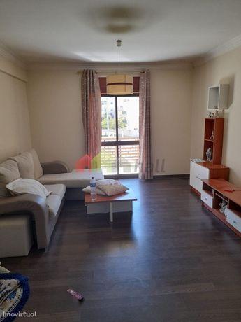 Apartamento T2 com Arrecadação na Quinta do Conde