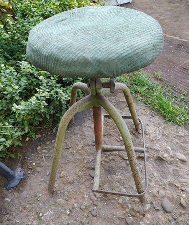 Stary taboret metalowy krzesło obrotowe stołek industrial loft